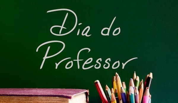 O dia dos professores é comemorado, anualmente, no dia 15 de outubro, por conta de um decreto assinado durante o governo João Goulart.