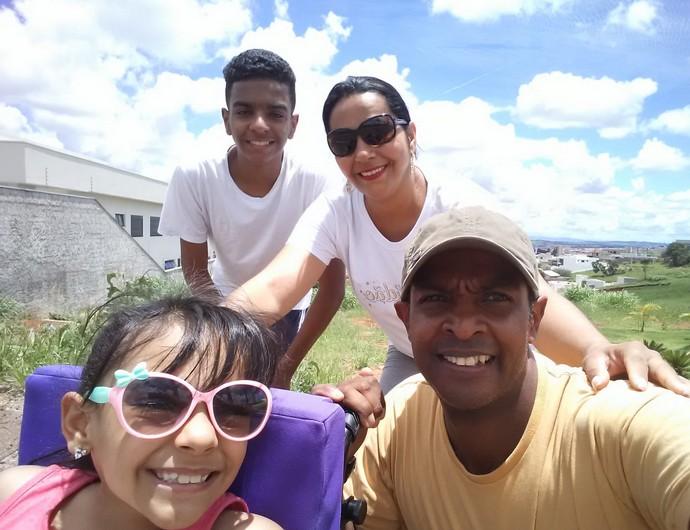 Sara e sua família.
