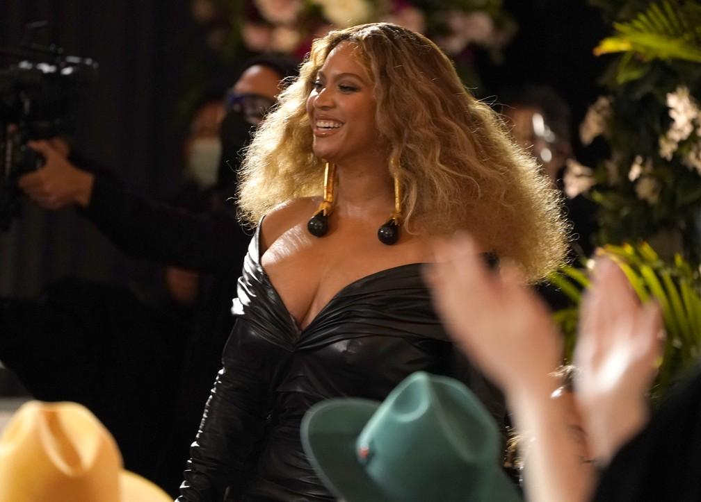 Beyoncé no Grammy 2021 — Foto: AP Photo/Chris Pizzello