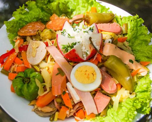 Slide 14 de 30: Saladas variadas são também deliciosas com um vinho Sauvignon blanc.
